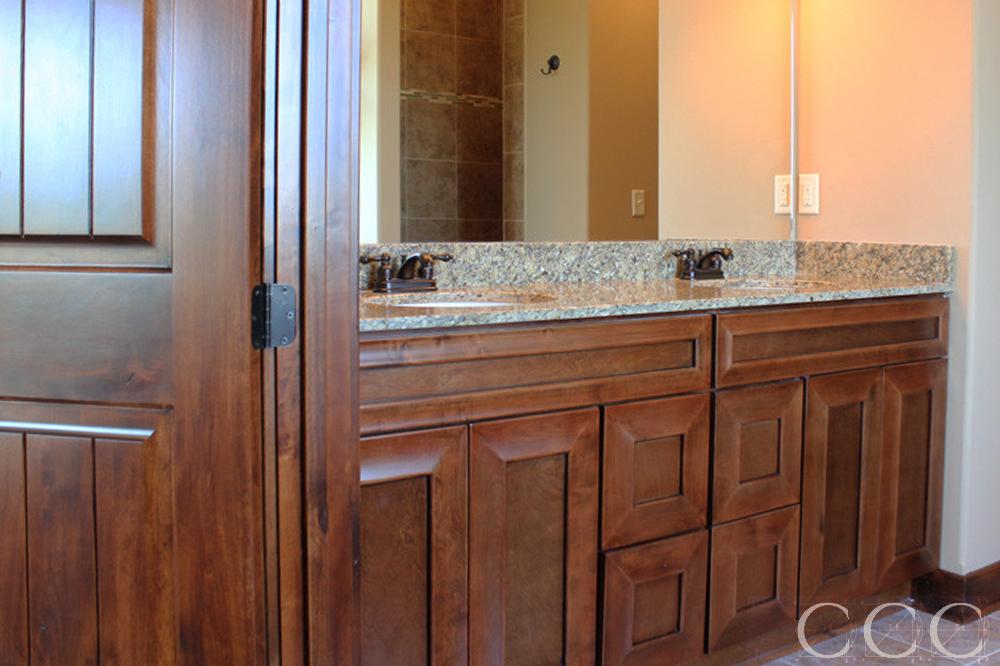 Custom-Bathroom-Vanities-2-1000x666