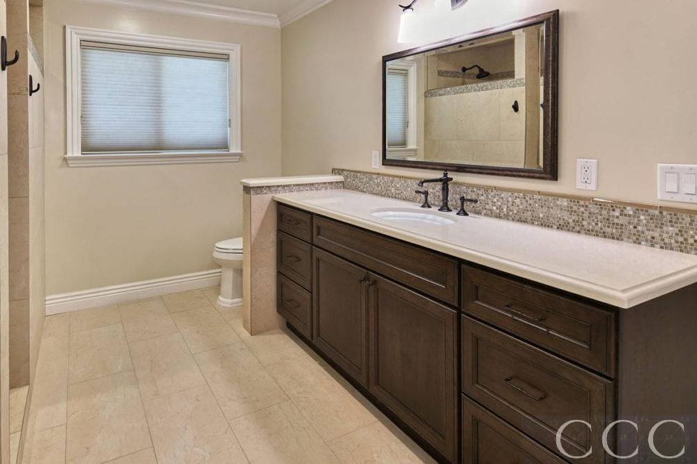 Custom-Bathroom-Vanities-Dark-1000x666px